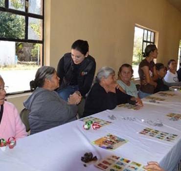 DIF Valle Hermoso continúa brindando atención al adulto mayor