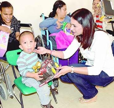Convive presidenta de DIF con niños y madres de la UBR