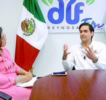 Carlos Peña Ortiz se despide del DIF municipal